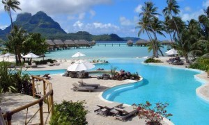 married-honeymoon-tahiti-elope_full